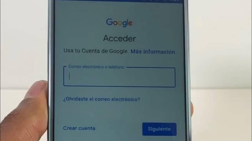 acceder a su cuenta de Google en un dispositivo móvil Android
