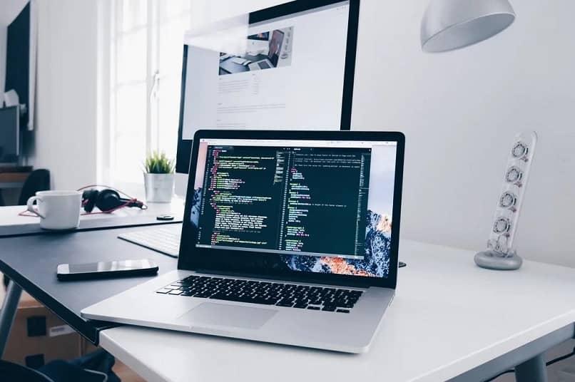 ¿Sabes qué sistema operativo tengo y si es una versión de 32 o 64 bits?