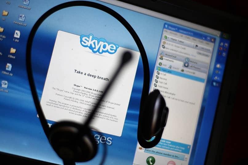 videollamada de auriculares en Skype