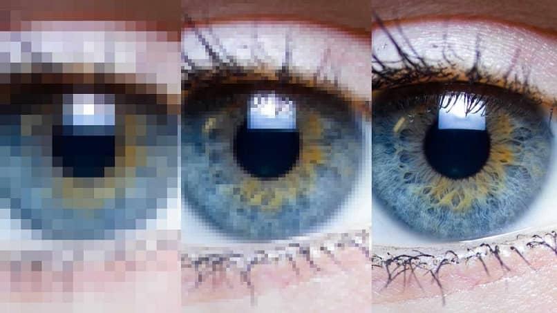 ojos azules frustrados