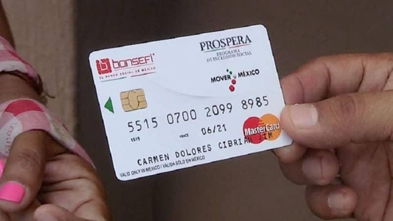 tarjeta mastercard de mano