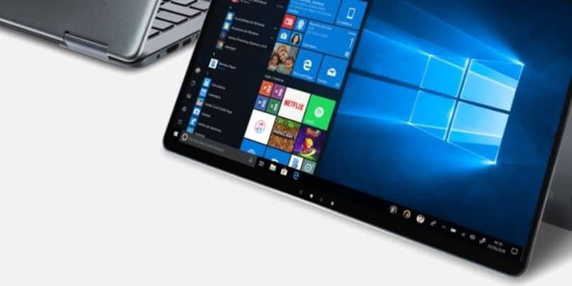 portátil con pantalla táctil