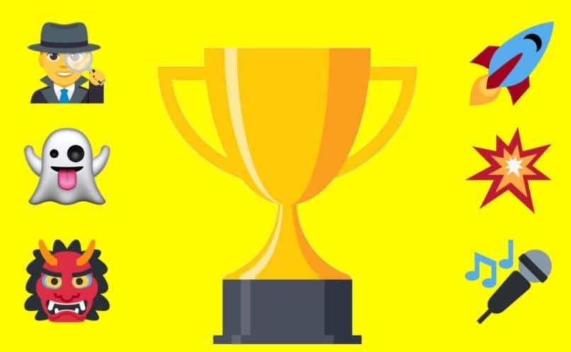 premio de la copa emoji investigador fantasma micrófono cohete