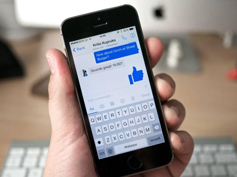 mensaje de chat telefónico