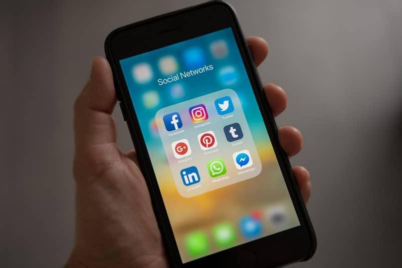 aplicación de redes sociales whatsapp