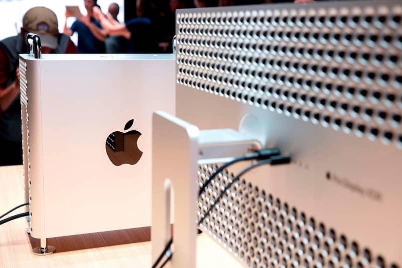 tabla de informes de computadora mac