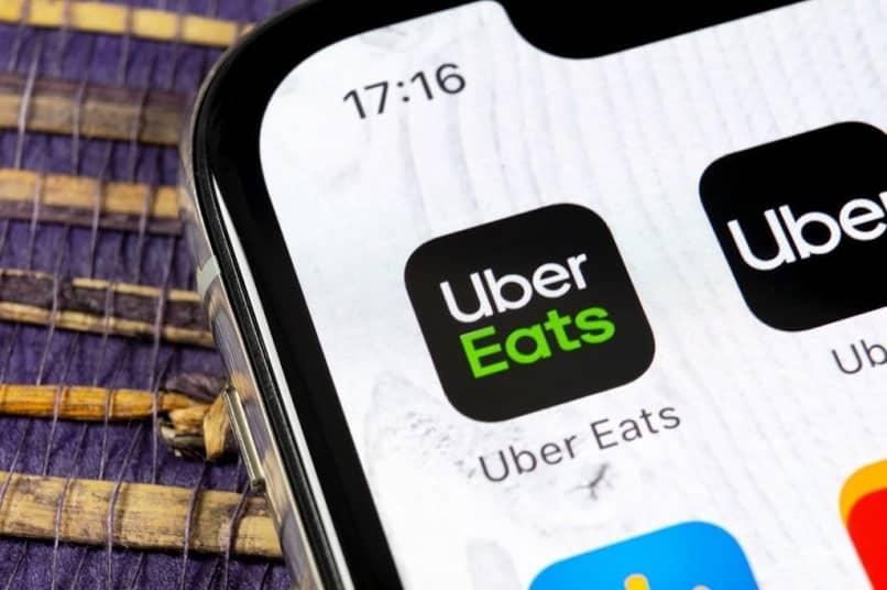 icono de la aplicación uber comiendo pantalla móvil