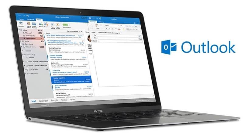 correo de Outlook en la computadora portátil