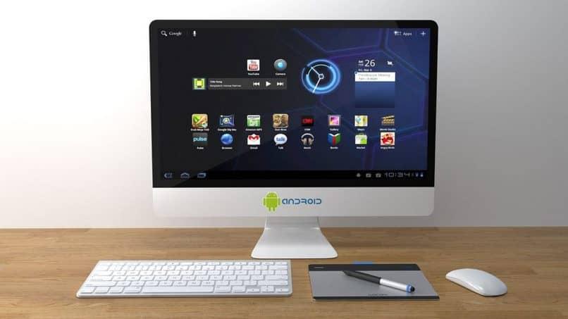 computadora en la oficina
