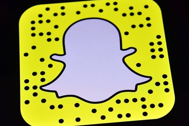 logotipo de snapchat fantasma