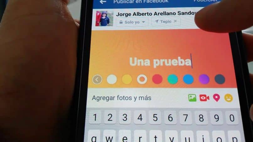 cambio de color de fuente de facebook