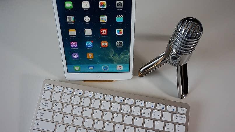 el micrófono en teléfonos móviles y tabletas