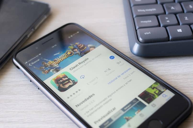 aplicación móvil clash royale