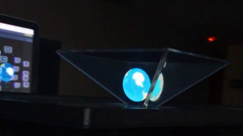 Crea un proyector de hologramas profesional casero