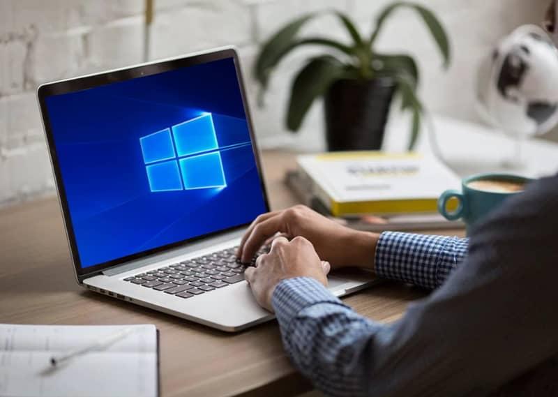 Escribir una computadora portátil con Windows 10