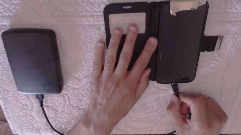 conectar un disco duro a un móvil