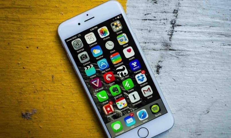 móvil con pantalla desbloqueada
