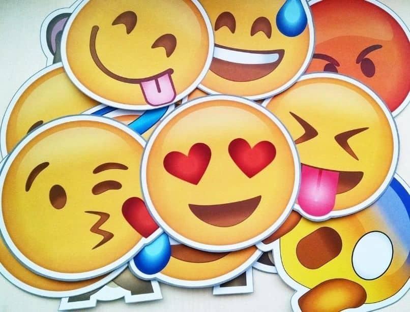 iconos de emoticonos