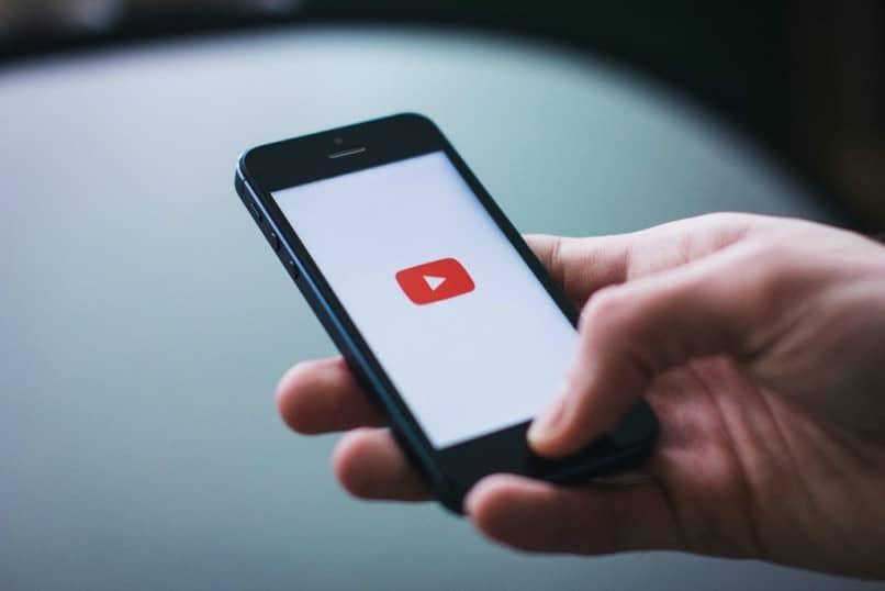 smartphone en YouTube