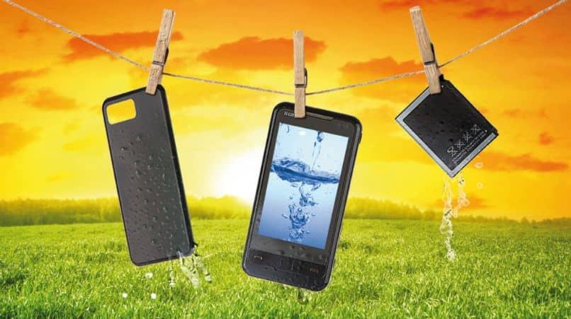 reparación de teléfono celular líquido