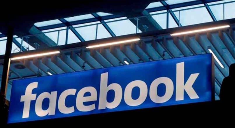 cartel de techo en facebook