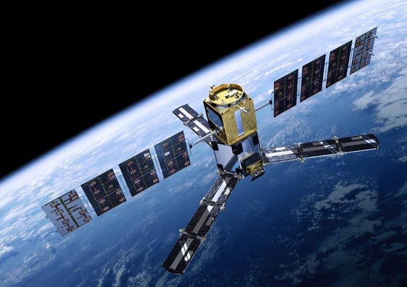 satélite sobre la tierra
